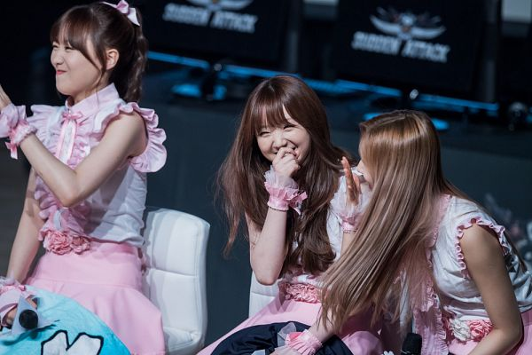 Tags: K-Pop, Lovelyz, Kei, Laughing