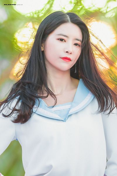 Tags: K-Pop, DIA, Ki Heehyun, Closed Mouth, Close Up, Looking Ahead, Earrings, Collar (Clothes), Sailor Collar, Red Lips, Live Performance