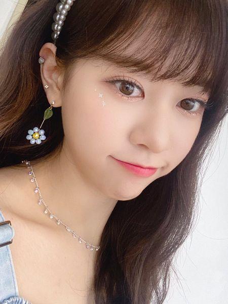 Tags: K-Pop, Cherry Bullet, Kim Bo-ra, 1