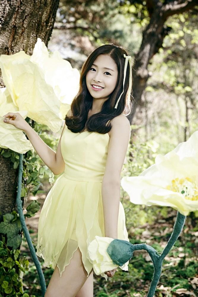 Tags: K-Pop, April, Kim Chaewon (April), Yellow Outfit, Tree, Yellow Dress, Plant