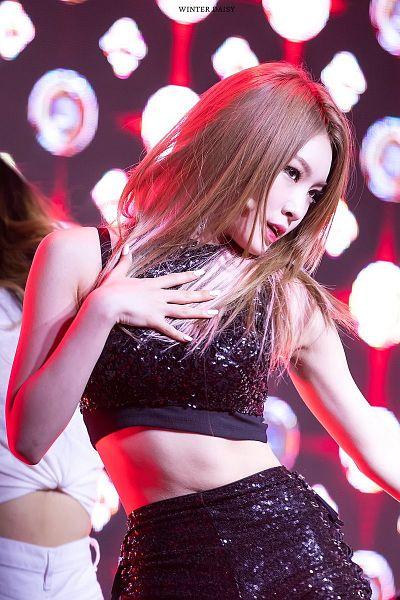 Tags: K-Pop, I.O.I, Kim Chung-ha, Doyeon, Sleeveless, Nail Polish, Hand On Hip, Make Up, Shorts, Sleeveless Shirt, Bare Shoulders, Midriff