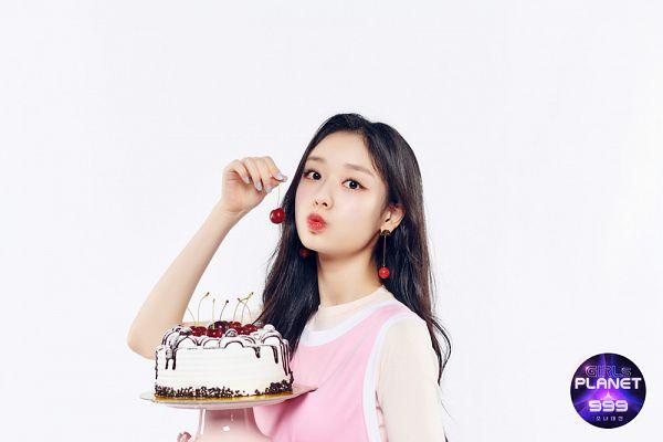 Tags: K-Pop, Fanatics, Kim Doah, Cake, Sweets, Fruits, Cherry
