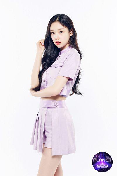 Tags: Television Show, K-Pop, Fanatics, Kim Doah, Purple Shorts, Purple Skirt, Shorts, Purple Shirt, Midriff, Skirt, Bare Legs, Hand In Hair