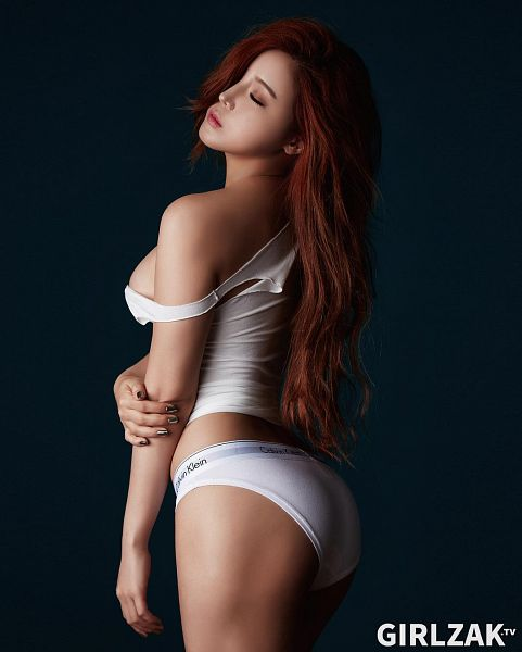 Tags: Laysha, Kim Go-eun (Laysha), Butt, Panties, Lingerie, Suggestive, Cleavage