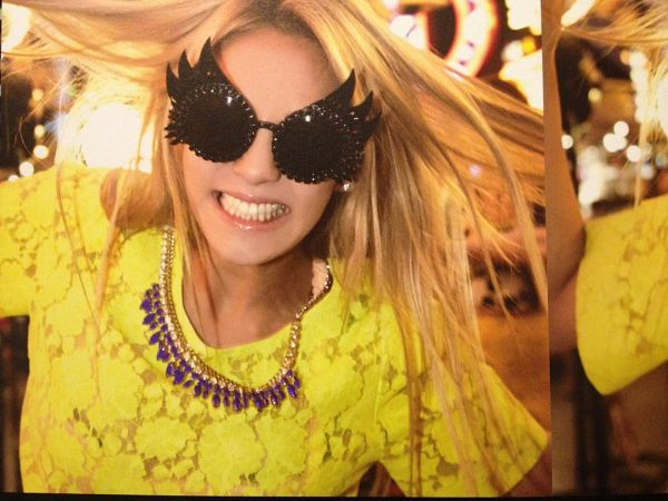 Tags: K-Pop, Girls' Generation, Kim Hyo-yeon, Yellow Shirt, Necklace, Blonde Hair, Messy Hair, Glasses, Sunglasses, Girls' Generation In Las Vegas, Wallpaper