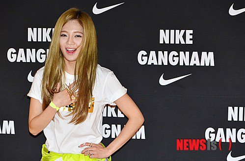 Tags: K-Pop, Girls' Generation, Kim Hyo-yeon, Hand On Chest, Yellow Outerwear, Hand On Hip, Nike