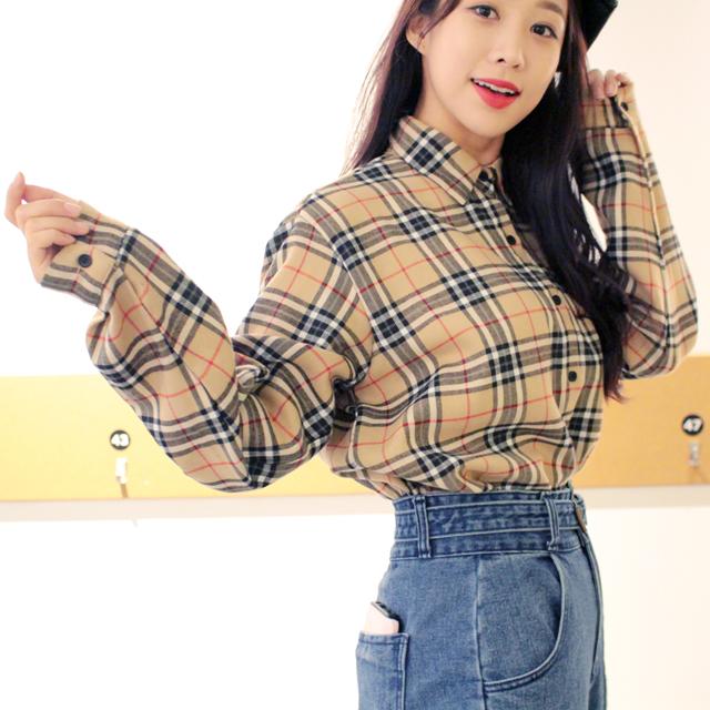 Tags: K-Pop, ICIA, Kim Hyogyeong, Pants, Checkered, Jeans, Checkered Shirt, Red Lips