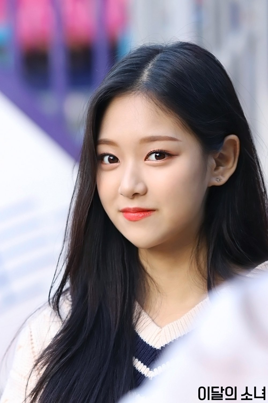 Kim.Hyunjin.full.225503.jpg
