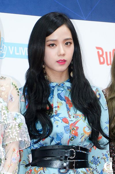 Tags: K-Pop, Black Pink, Kim Jisoo, Red Carpet, Multi-colored Dress, Close Up, Blue Dress, Wavy Hair, Blue Outfit, Belt, Contact Lenses, Make Up