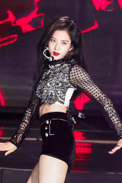 Tags: K-Pop, Black Pink, Kim Jisoo, Shorts, Black Eyes, Crop Top, Dancing, Black Shirt, Black Shorts, Looking Ahead, Midriff, Red Lips