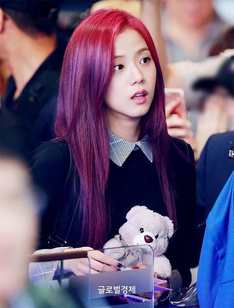 Tags: K-Pop, Black Pink, Kim Jisoo, Looking Away, Black Outfit, Stuffed Toy, Purple Hair, Stuffed Animal, Pink Hair, Collar (Clothes), Black Dress
