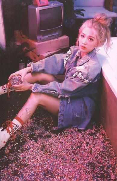 Tags: K-Pop, LOOΠΔ, Eclipse, Kim Lip, Denim Skirt, Sitting, Blue Skirt, Hair Buns, Denim Jacket, Skirt, Red Lips, Blue Outerwear