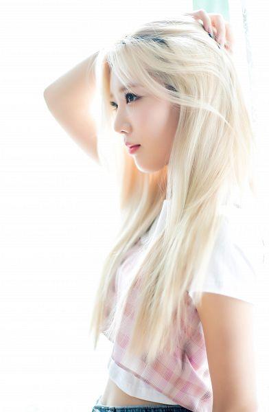 Tags: K-Pop, LOOΠΔ, Kim Lip