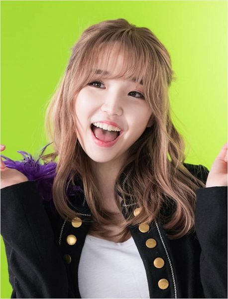 Tags: K-Pop, Busters, Grapes (Song), Kim Minji (Busters), Black Jacket, Black Outerwear, Green Background