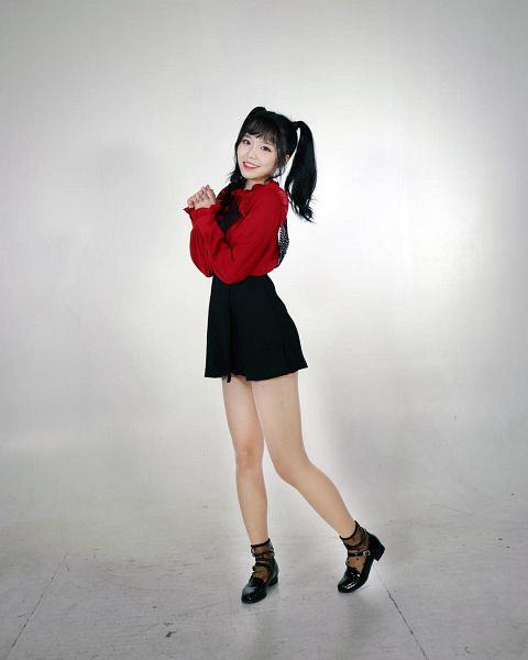 Tags: K-Pop, Busters, Kim Minji (Busters), Grin, Black Footwear, Black Eyes, Spotted Legwear, Socks, Suspenders, Twin Tails, Red Lips, Black Skirt