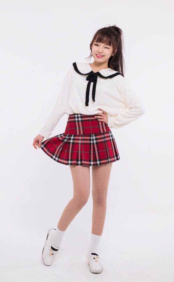 Tags: JTG Entertainment, K-Pop, Busters, Kim Minji (Busters), Hand On Hip, Black Bow, Light Background, Plaided Print, Skirt, Plaided Skirt, White Background, Bow