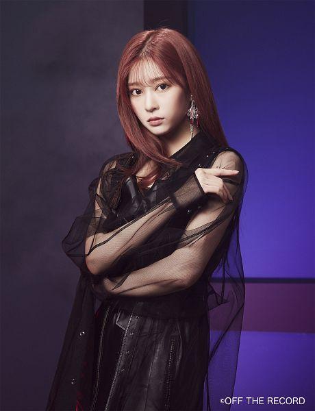 Tags: K-Pop, IZ*ONE, Kim Minju, Black Outfit, Black Dress, Make Up