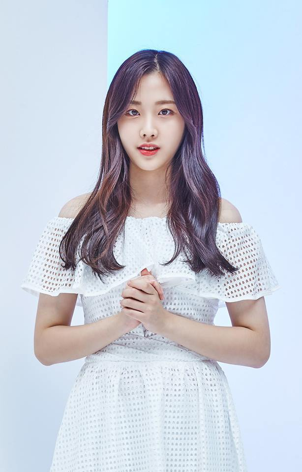 Tags: Momoland, Kim Nayun, White Dress, Bare Shoulders, Gray Background, Blue Background, White Outfit, Clasped Hands