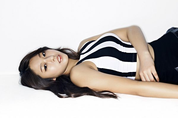 Tags: K-Pop, AOA (Ace Of Angels), Kim Seolhyun, Light Background, White Background, Laying Down, Wallpaper