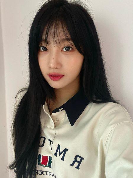 Tags: K-Pop, Everglow, Kim Sihyeon