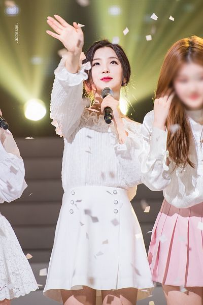 Tags: K-Pop, Hunus Entertainment, Elris, Kim Sohee (Elris), Earrings, Standing, Microphone, White Outfit, White Dress, Closed Mouth, Dress, Holding Object