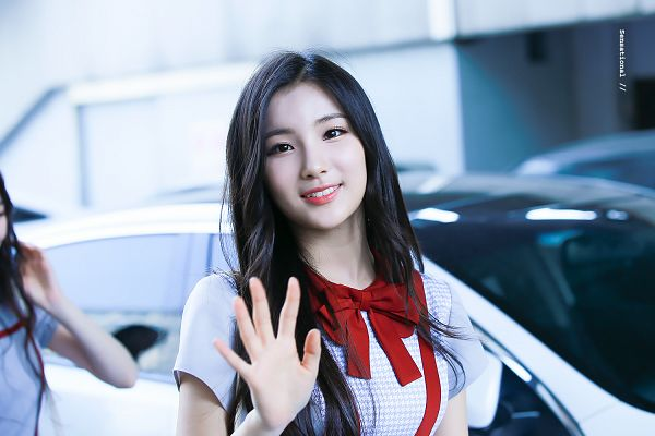 Tags: K-Pop, Hunus Entertainment, Elris, Kim Sohee (Elris), White Outfit, Bow Tie, Checkered Dress, Teeth, Dress, Close Up, Short Sleeves, White Dress