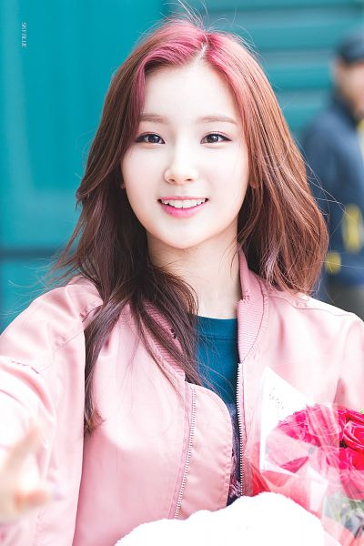 Tags: K-Pop, Elris, Kim Sohee (Elris), Jacket, Blue Shirt, Red Hair, Teeth, Pink Outerwear, Close Up, Pink Jacket, Android/iPhone Wallpaper