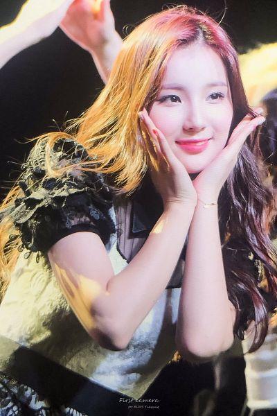 Tags: Hunus Entertainment, K-Pop, Elris, Kim Sohee (Elris), Close Up, Hand On Cheek, Hand On Head, Bracelet, Short Sleeves, Live Performance, ELRIS Color Crush Showcase