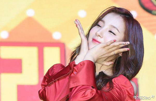Tags: Hunus Entertainment, K-Pop, Elris, Kim Sohee (Elris), Looking Ahead, Close Up, Hand On Head, Hand On Cheek, Korean Text, Ring, Red Shirt, ELRIS Color Crush Showcase