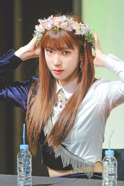 Tags: K-Pop, Rocket Punch, Kim Suyun