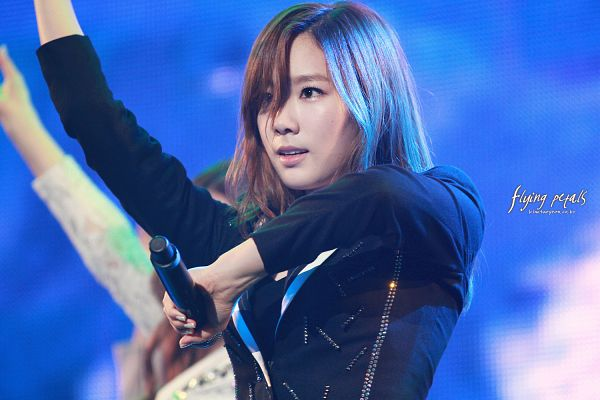 Tags: K-Pop, Girls' Generation, The Boys, Kim Tae-yeon, Looking Up, Blue Background, Flying Petals, Wallpaper, Gs & Concert