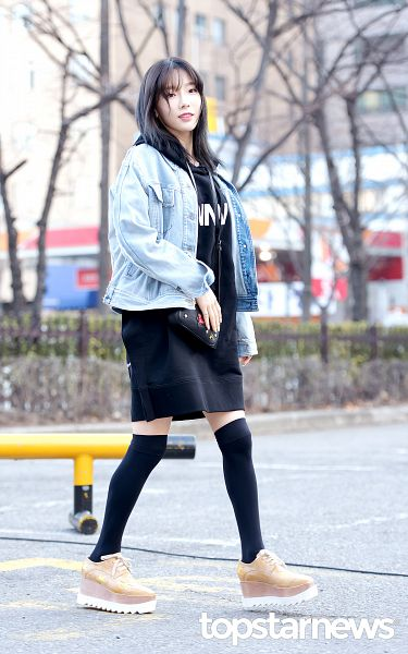 Tags: K-Pop, SM Town, Girls' Generation, Kim Tae-yeon, Denim Jacket, Black Legwear