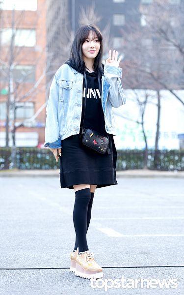 Tags: K-Pop, SM Town, Girls' Generation, Kim Tae-yeon, Black Dress, Bangs