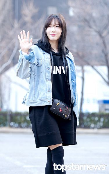 Tags: K-Pop, SM Town, Girls' Generation, Kim Tae-yeon, Wave, Bag, Black Dress, Denim Jacket, Bangs, Black Legwear, Standing, Dress