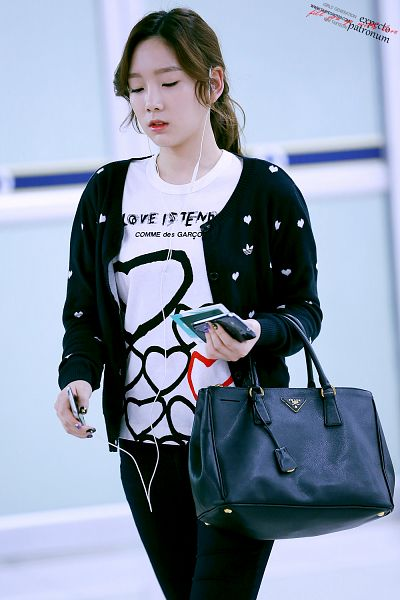 Tags: Girls' Generation, Kim Tae-yeon, Android/iPhone Wallpaper