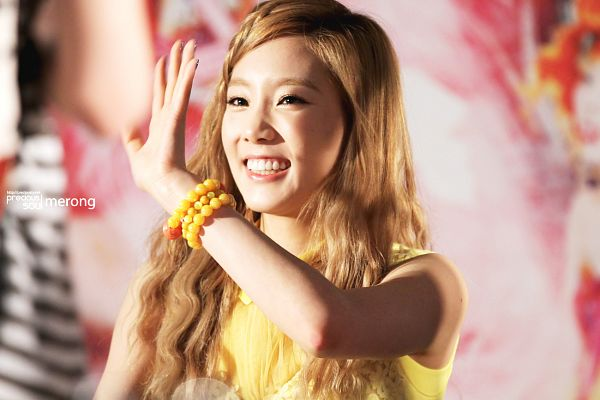Tags: Girls' Generation, Kim Tae-yeon, Wallpaper