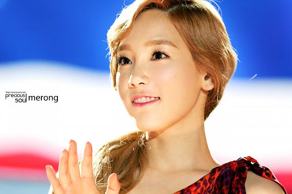 Tags: Girls' Generation, Kim Tae-yeon, Wallpaper
