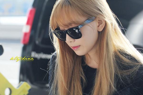 Tags: K-Pop, SM Town, Girls' Generation, Kim Tae-yeon, Bangs, Glasses, Wallpaper