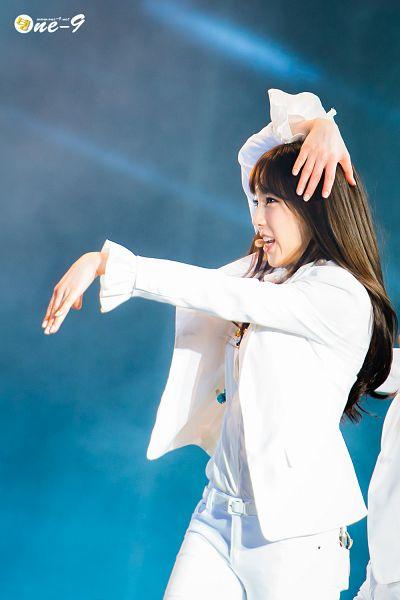 Tags: Girls' Generation, The Boys, Kim Tae-yeon, White Pants, White Outfit, White Jacket, Android/iPhone Wallpaper, Hec Korea