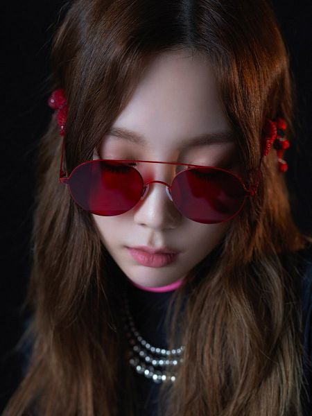 Tags: K-Pop, Girls' Generation, Something New, Kim Tae-yeon, Looking Down, Necklace, Close Up, Glasses, Dark Background, Sunglasses