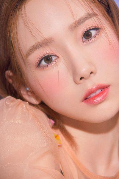 Tags: K-Pop, Girls' Generation, Happy (Song), Kim Tae-yeon, Pink Shirt, Close Up