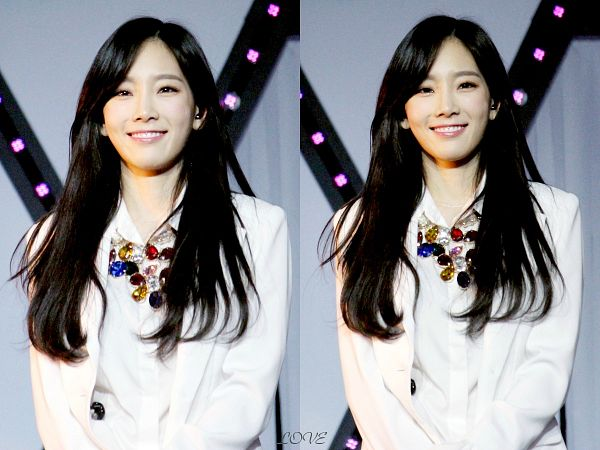 Tags: K-Pop, Girls' Generation, Sooyoung, Kim Tae-yeon, Gray Background, White Jacket, Necklace, Multiple Persona, Love (Fansite)