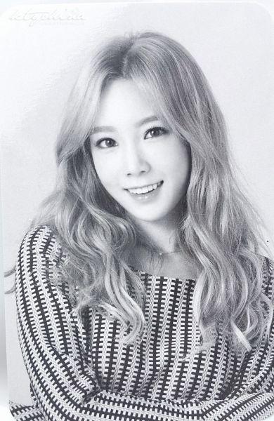 Tags: K-Pop, Girls' Generation, Kim Tae-yeon, Monochrome, Gray Hair
