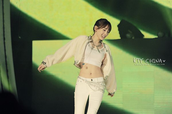 Tags: K-Pop, Girls' Generation, I Got A Boy, Kim Tae-yeon, Looking Away, Eyes Closed, Navel, White Outfit, Green Background, Midriff, Belt, White Jacket