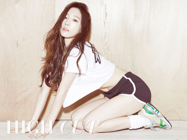 Tags: Girls' Generation, Kim Tae-yeon, Socks, Black Shorts, Shorts, Sneakers, Full Body, Text: Magazine Name, High Cut