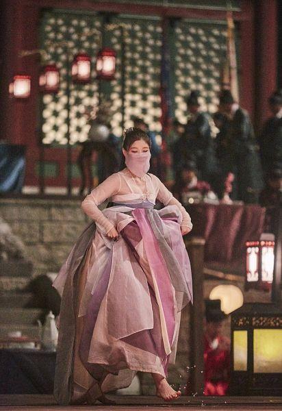 Tags: K-Drama, Kim Yoo-jung, Traditional Clothes, Barefoot, Water, Korean Clothes, Lamp, Night, Hanbok, Mask, Hair Up, Looking Down
