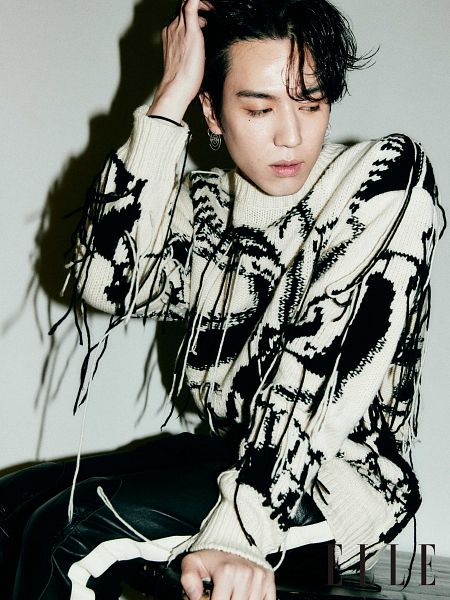 Tags: K-Pop, Got7, Kim Yugyeom, Serious, Looking Away, Hand On Head, Magazine Scan, Elle Korea