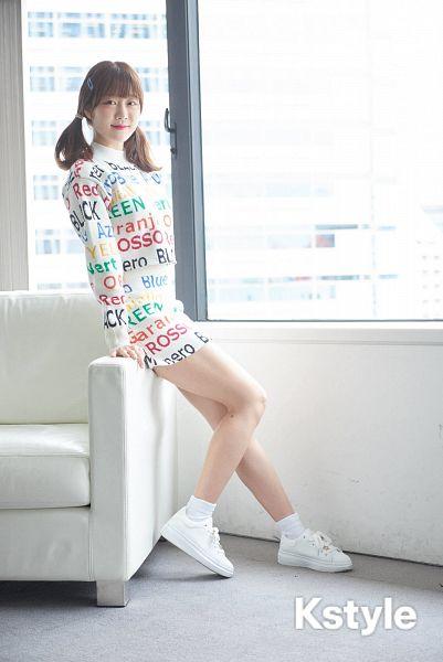 Kim Yujeong - Laboum