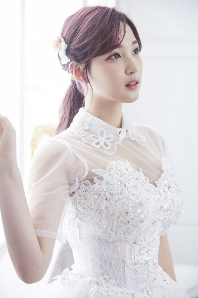 Tags: K-Pop, Laboum, Kim Yulhee, White Background, White Outfit, White Dress, Hair Up, Wedding Dress, White Headwear, Ponytail, Looking Up, Light Background