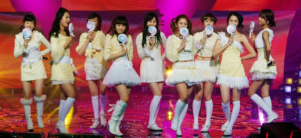 Kissing You - Girls' Generation